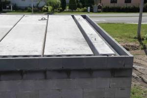 strop připravený k zalití betonem
